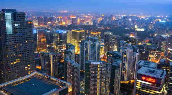 FMI se muda(rá) a Pekín y China lanza futuros de oro y petróleo en renminbis