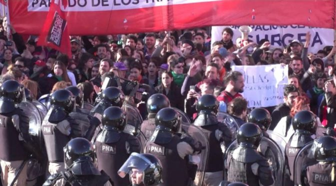 """Argentina, millones de trabajadores y un solo grito: """"¡Macri no va más!"""""""