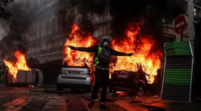 Francia y los chalecos amarillos: cómo doblegar a Macron