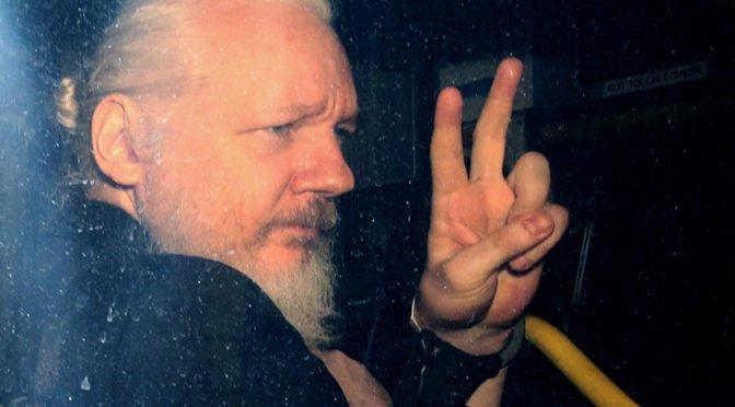 Arresto de Assange: venganza de Lenin Moreno por los pestilentes Ina Papers