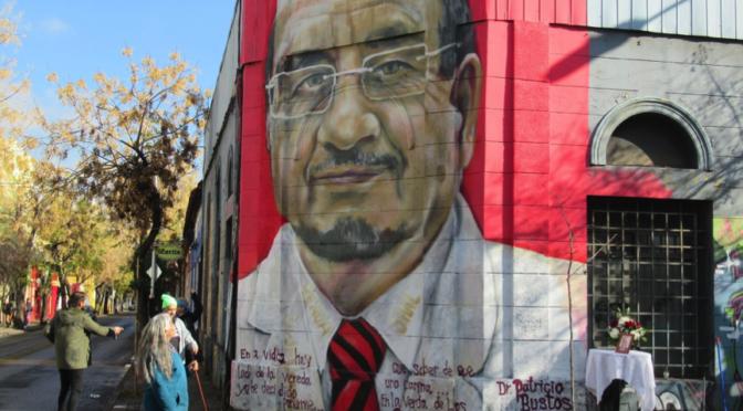 Se inauguró mural en homenaje a Patricio Bustos en Barrio Yungay de Santiago