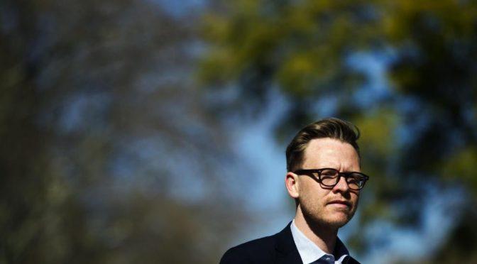 """Entrevista a Markus Gabriel: """"Si su sueldo lo deprime, no busque un psicólogo sino un sindicato"""""""
