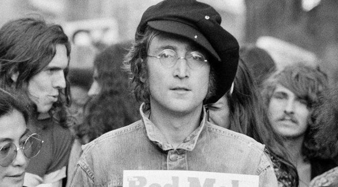 Entrevista a John Lennon: «tendríamos que infiltrar al ejército, porque están bien entrenados para matarnos a todos»