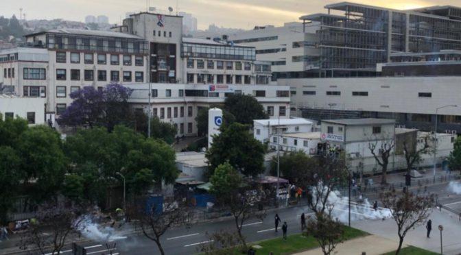 Viña del Mar: Colegio Médico rechaza ataque de Carabineros al Hospital Gustavo Fricke