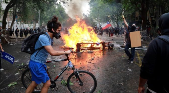 Llamado del Grupo 1º de Mayo: ahora con todo, Fuera Piñera