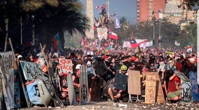 Contra el  pacto escrito con la sangre de los caídos para salvar a Piñera: adelante con la Huelga General indefinida