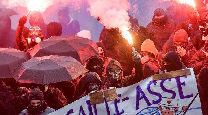 Marchas masivas y huelgas contra los recortes de pensiones de Macron continúan en Francia
