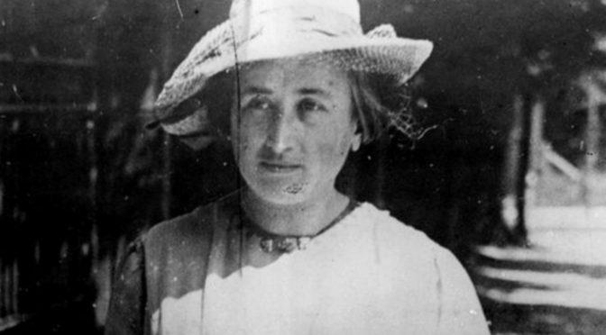 Homenaje del escritor John Berger a Rosa de Luxemburgo