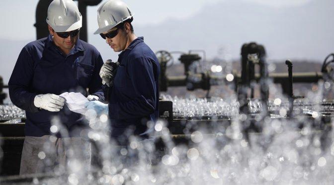 """Hacia la """"desprivatización"""" del agua en Chile"""