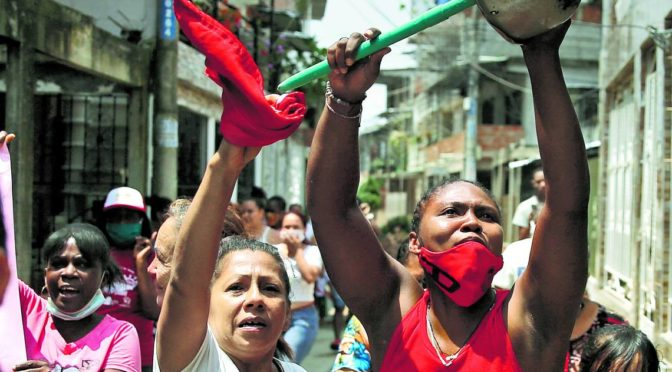Protestas y saqueos en Colombia por falta de distribución de ayuda en cuarentena COVID-19