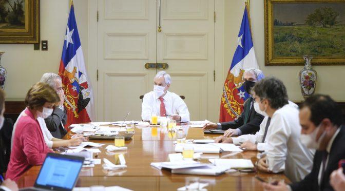 Triple crisis: Piñera se juega el todo o nada