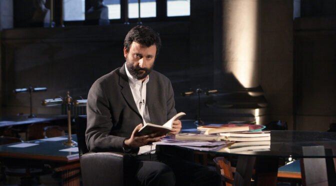 El blindaje de los intocables: La institucionalidad literaria que protege a Cristián Warnken
