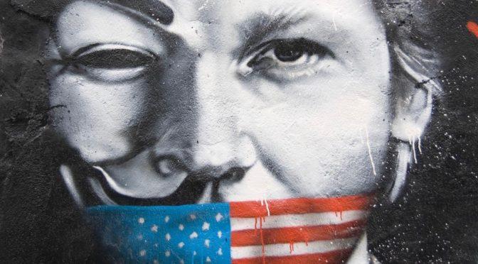 Diez años desde que WikiLeaks y Julian Assange publicaron los Registros de la guerra de Irak