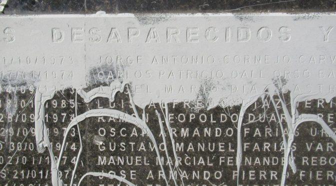 Grupos negacionistas dañan nuevamente Memorial de Valparaíso