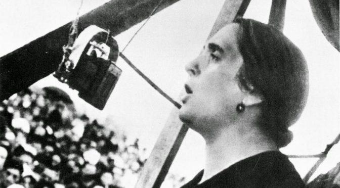 Jacobin glorifica a Dolores Ibárruri, verdugo estalinista de la revolución española