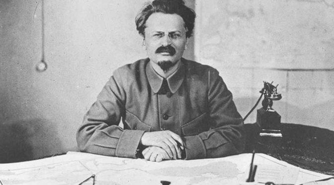 León Trotsky: «Combatir al imperialismo para combatir el fascismo»