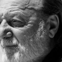 Despedimos a Patricio Manns: la voz de la resistencia, una voz de la revolución